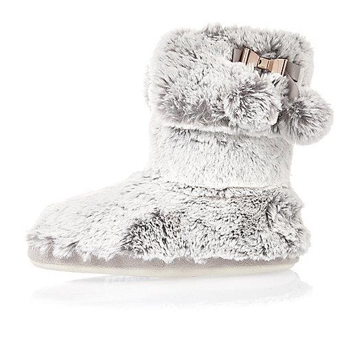 Bottines chaussons en fausse fourrure grises avec noeud