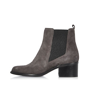 Grey suede pointed Chelsea boots