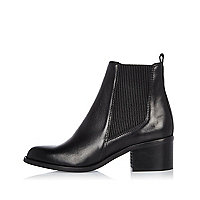 Black leather block heel Chelsea boots