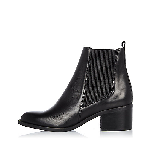 Bottines Chelsea en cuir noir à talon carré
