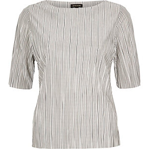 White stripe pleated top