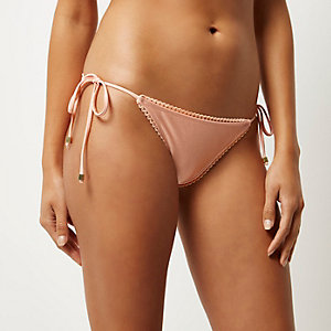 Light pink scalloped trim bikini bottoms