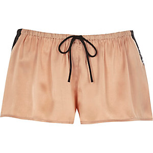 Pyjama-Shorts aus Satin in Rosa