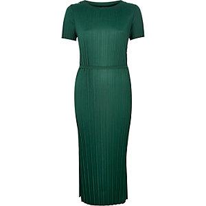 Dark green pleated dress