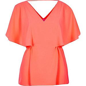 Coral cape back V-neck t-shirt