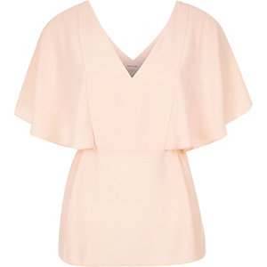 Coral cape back V-neck t-shirt