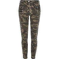 Green camo zipped skinny pants