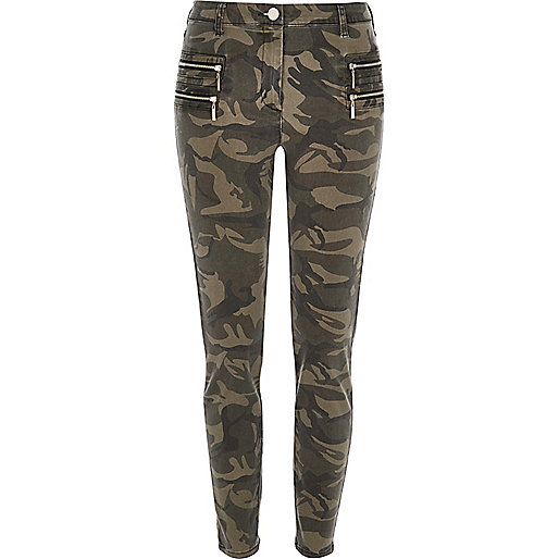 Green camo zipped skinny pants