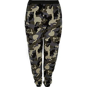 RI Plus green camo joggers