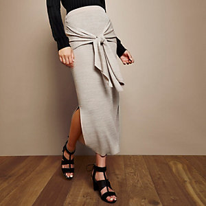 RI Studio beige knit tied waist skirt