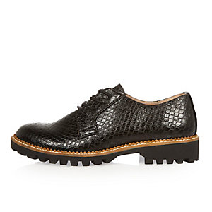 Black croc-effect chunky brogues