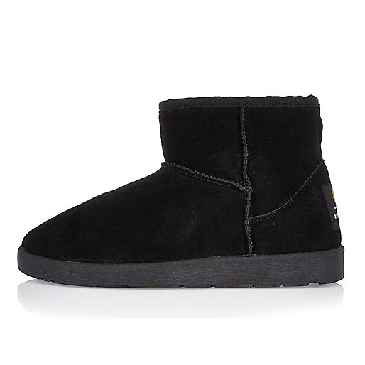 Black faux fur trim low ankle boots