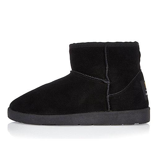 Black faux fur trim low ankle boots