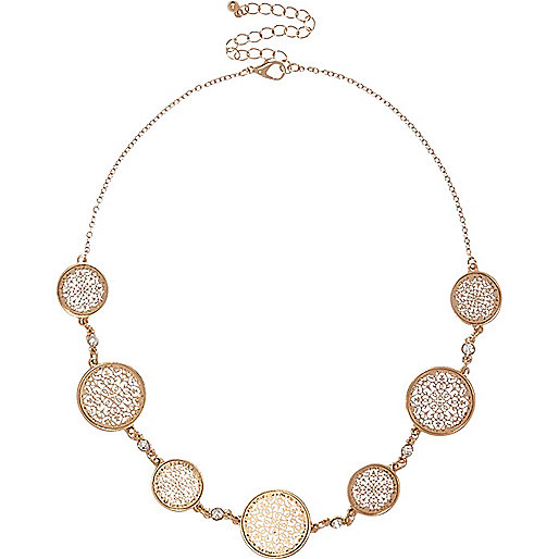 Collier doré avec cercles en filigrane