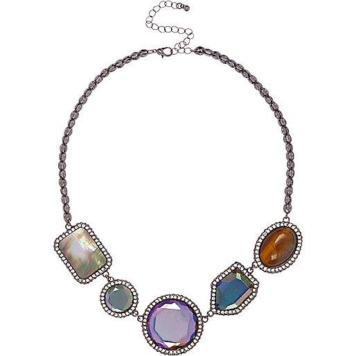 Collier à perles roses et pierres fantaisie