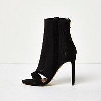 Schwarze Peeptoe-Stiefel