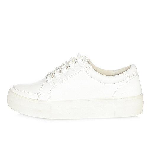 Baskets blanches à plateforme