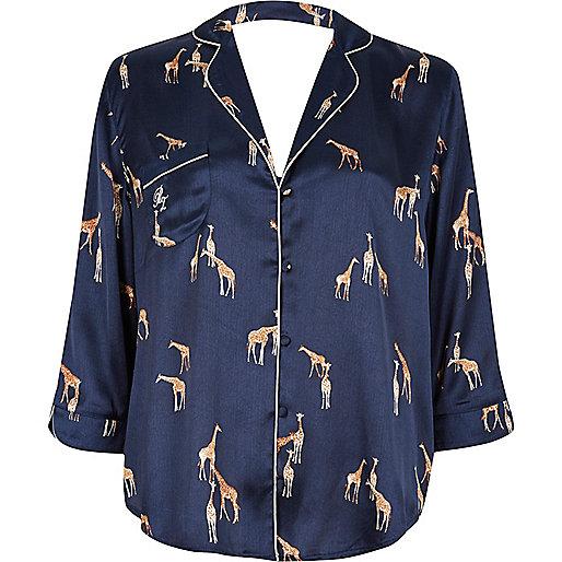 Blaues Satin-Pyjamaoberteil mit Giraffenmotiv