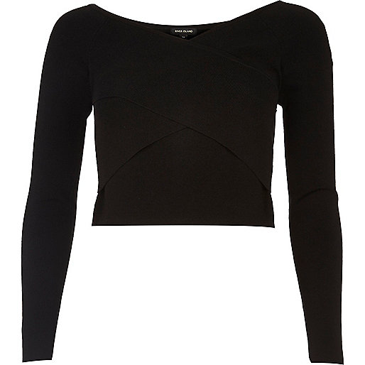 Crop top noir drapé style Bardot