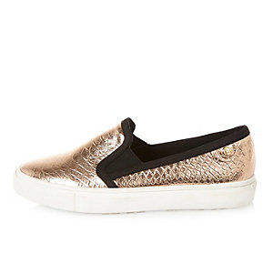 Metallic pink textured plimsolls