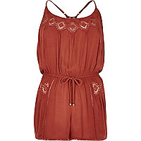 Combi-short marron avec bordure en dentelle