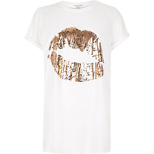 White lip print boyfriend fit t-shirt