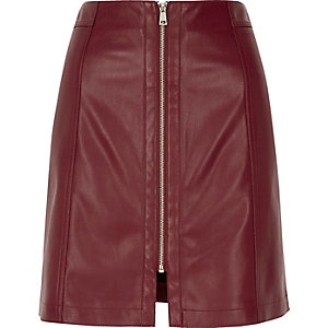 Burgundy leather look zip mini skirt