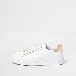 Weiße Plateau-Sneaker mit Metallic-Besatz