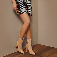 RI Studio nude patent ankle boots