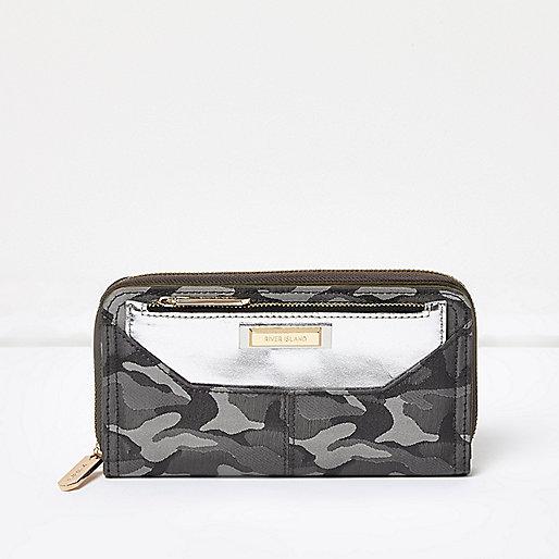 Grey camo zip around purse