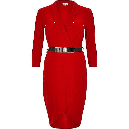Robe chemise rouge à ceinture