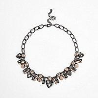 Stahlgraue, mehrreihige Halskette mit Ziersteinchen