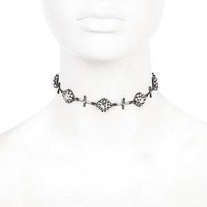 Schwarzes Halsband mit Kreuz