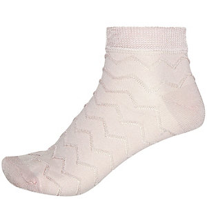 Pink textured zig zag ankle socks