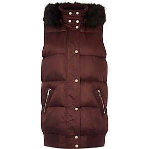 Burgundy sleeveless puffer jacket