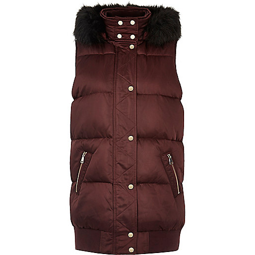 Burgundy sleeveless puffer jacket