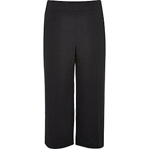 RI Plus black cropped pants