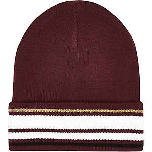 Dark red stripe beanie