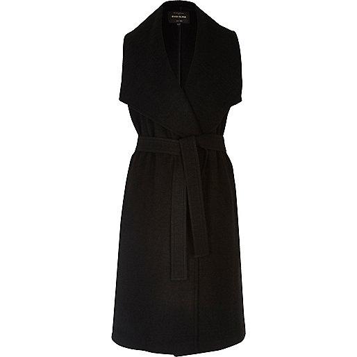 Manteau long noir sans manches avec ceinture