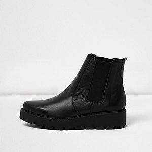 Black leather platform Chelsea boots