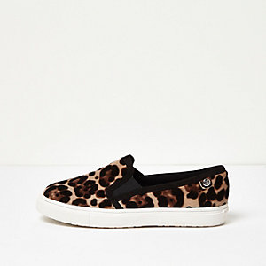 Leopard print velvet wide fit plimsolls