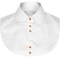 White pleated collar bib