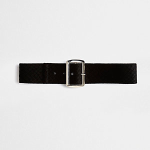 Black textured buckle choker
