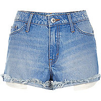 Ruby – Hellblaue Shorts