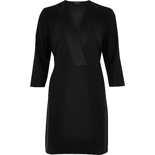 Robe style cache-cœur en satin noir