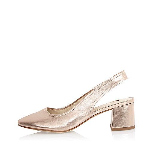 Chaussures en cuir rose doré à talons et bride arrière