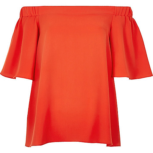 Top rouge style Bardot