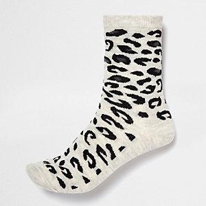 Light grey leopard print ankle socks