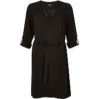 Robe chemise noire motif barre