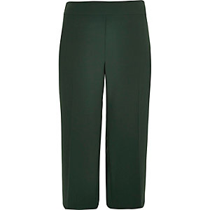 Plus green soft cropped pants